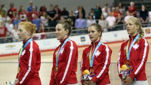 Alison Beveridge, Laura Brown, Jasmin Glaesser ja Kirsti Lay voittivat Pan American Games -kisan 2015.