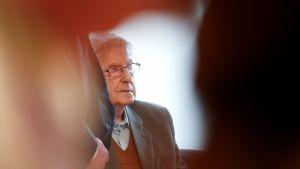 94-vuotias Reinhold Hanning, natsirikolliseksi syytetty, oikeudenkäynnissä 9. kesäkuuta 2016.