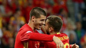 Alvaro Morata (Espanja) ja Jordi Alba UEFA EURO 2016 EM-jalkapallo