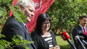 Antti Rinne ja Maria Tolppanen Helsingissä keskiviikkona.