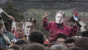 Bosnian serbien johtajan Radovan Karadžićin kannattajia.
