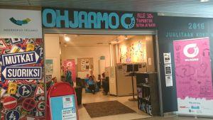 Nuorille suunnattu Ohjaamo toimii Kotkassa kauppakeskus Pasaatissa