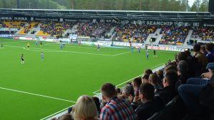 SJK- HJK Seinäjoen stadionin avajaisottelussa.