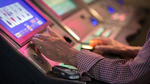 Rahapelejä Casinolla.