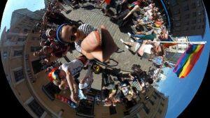360 asteen kuva Pride-marssilta