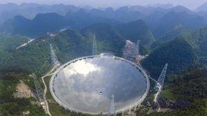 Maailman suurin radioteleskooppi sijaitsee Kiinassa.