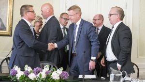 Kilpailukykysopimus allekirjoitetaan Kesärannassa.