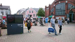 Oulun tori, oulun kauppatori, toripolliisi, toripoliisi, oulu kesä