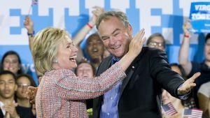 Tim Kaine kampanjoi Clintonin kanssa Virginiassa.