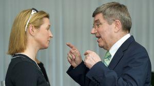Claudia Pechstein ja Thomas Bach vuonna 2013.
