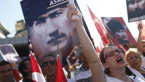 Mielenosoitus Istanbulissa
