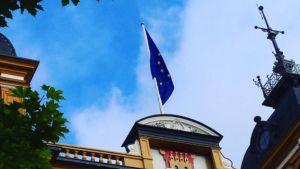 Oulun kaupunki on nostanut Euroopan lipun salkoon.