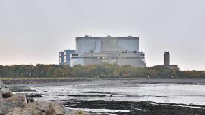 Suljettu Hinkley Point A -ydinvoimala Somersetissa.