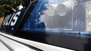 Poliisiauton hälytysvalot.