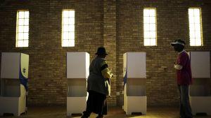 Äänestyspaikka lähellä Johannesburgia sijaitsevassa Sowetossa 3. elokuuta 2016.