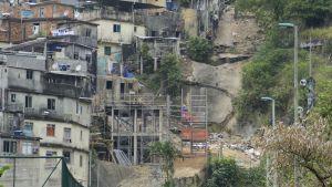 Liikennettä Zuzu Angelin tunnelissa Rio de Janeirossa.