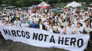 Presidentti Ferdinand Marcosin sankarihautaaminen on kiivastuttanut mielialoja Filippiineillä.