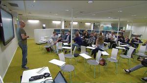 Opetusta Haukilahden lukion uusissa tiloissa
