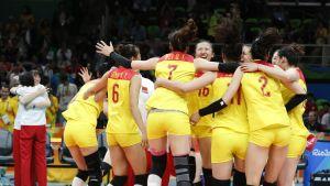 Kiinan naislentopallojoukkue Riossa 2016.