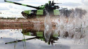 Venäjän armeijan sotilaat kilpailemassa kansainvälisessä Army Games -tapahtumassa Alabinossa, Venäjällä 13. elokuuta.
