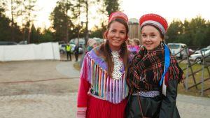 Rosa-Maren Magga ja Sara Wesslin Ijahis Idjassa 2015.