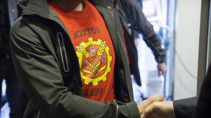 Kiitos SDP 1899 -paita.