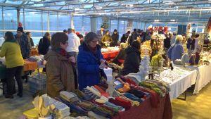 Viimeiset joulumarkkinat Pöykkölän kasvihuoneilla joulukuussa 2015