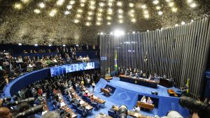 Brasilian senaatti kokoontui maanantaina kuulemaan Dilma Rousseffia.