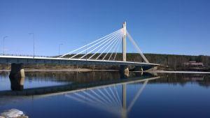 Jätkänkynttilä-silta Rovaniemi huhtikuu 2014.