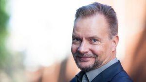 Puheviestinnän professori Pekka Isotalus.