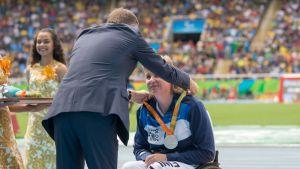 Marjaana Heikkinen sai paralympiahopeansa.