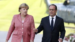 Saksan liittokansleri Angela Merkel ja Ranskan presidentti Francois Hollande tapasivat Evian-les-Bainsissa 2. syyskuuta 2016.