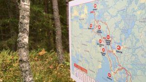 Poronpolun kartta maastossa