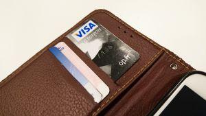 Visa Electron -kortti kännykkäkotelossa