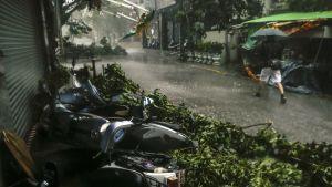 Taifuuni Megi riehui Hualienin maakunnassa Taiwanissa 27. syyskuuta 2016.