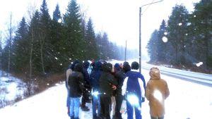 Alaikäiset turvapaikanhakijat kuvasivat elämäänsä vuoden ajan Suolahden ryhmäkodissa.