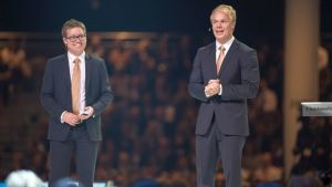 Hans-Peter Siefen (oik.) ja Jyri Lindén perustivat esikoisyrityksensä vuonna 2008.