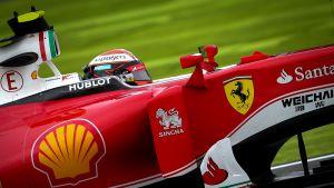 Kimi Räikkönen Ferrarin ratissa Japanissa.