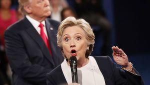 Hillary Clinton ja Donald Trump vaaliväittelyssä St. Louisissa, Missourissa 9. lokakuuta