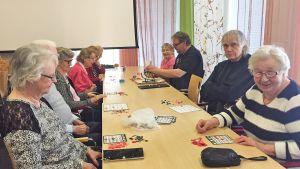 Metsolan kartanon yhteistiloissa pelataan myös bingoa.