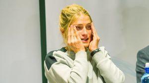 Therese Johaug kertoo lehdistötilaisuudessa jääneensä kiinni dopingin käytöstä.