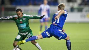 Diego Assis, IFK Mariehamn #25, Akseli Pelvas, HJK #31