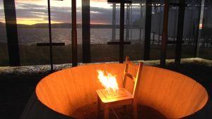 Muistomerkki Vardössä: tuoli