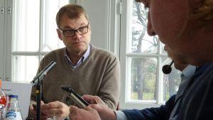 Pääministerin haastattelutunti Kesärannassa 23. lokakuuta.