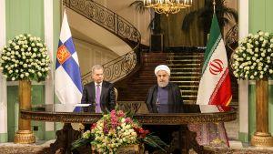 Presidentit Niinistö ja Rouhani.