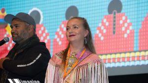 Skábmagovat -festiválaid buvttadeaddji Sunna Nousuniemi imagineNATIVE -festiválain Torontos, Kanadas.