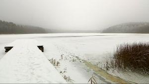 Lahden Merrasjärvi jäässä.