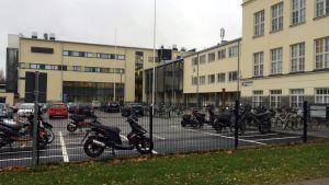 Joensuun yhteiskoulun lukion rakennukset Papinkadulla.