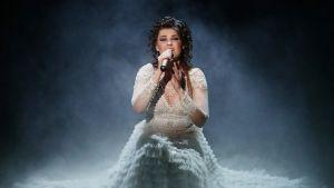 Saara Aalto Britannian X Factor -kilpailussa 19. marraskuuta.