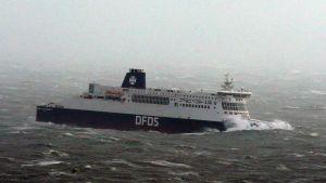 Matkustajalautta Angus-myrskyssä